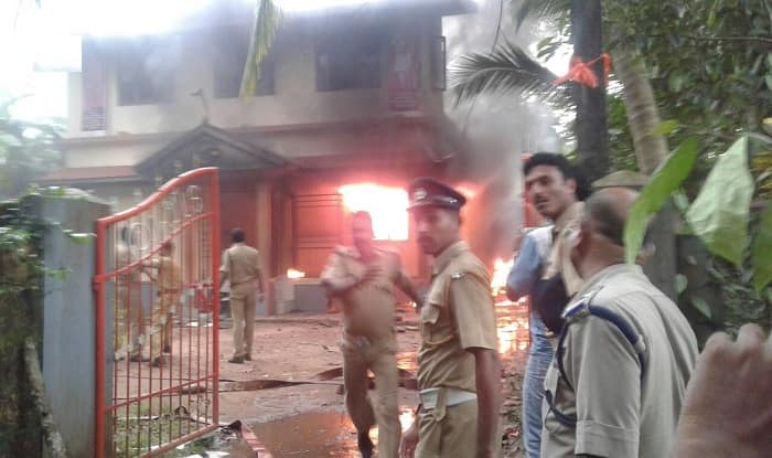 CPI(M) and RSS workers clash in Kerala's Payyannur