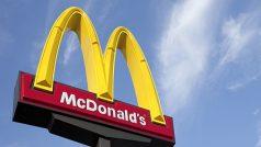अमेरिका में मैकडोनाल्ड्स की कर्मियों ने यौन उत्पीड़न की शिकायतें दर्ज कराईं