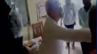 Maharashtra Minister Ranjit Patil's father VN Patil abuse school employee in Akola: Watch video