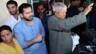 RJD, JD(U) Face-off: Tejashwi Yadav May Quit Under Sonia Gandhi's Mediation Deal, Say Sources Close to Lalu