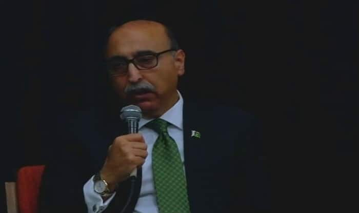 Pak envoy calls for 'uninterrupted' Indo-Pak talks for peace