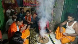 Muslim Man Adopts Hinduism With Two Sons in Begusarai Amid Vedic Chants