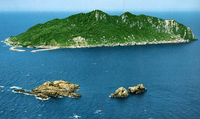 No women allowed: Japan's Okinoshima island becomes UNESCO site