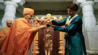Canadian PM Justin Trudeau Performs Pooja in Indian Attire to Mark 10th Anniversary of BAPS
