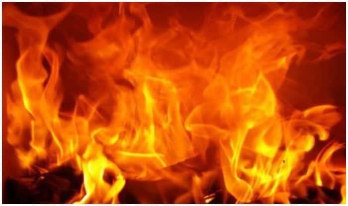 Woman burnt alive by husband in Hyderabad