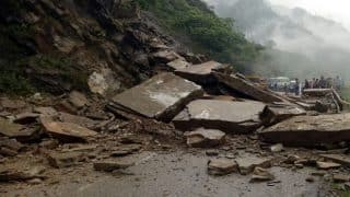 Himachal Pradesh: NH-21 Blocked Due to Landslide; Passengers Stranded