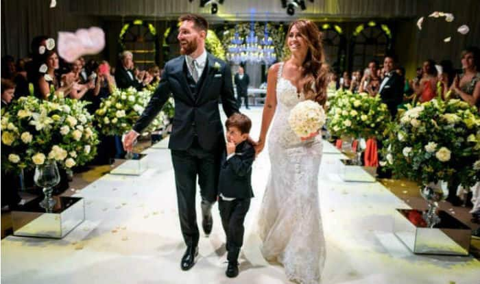 Lionel Messi Marries Childhood Sweetheart Antonella Roccuzzo Check Pics From The Wedding Of The Century India Com