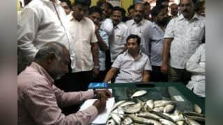 Maharashtra: Congress MLA Nitesh Rane Throws Fish at Fisheries Additional Commissioner For Ignoring Traditional Fishermen: Watch Video