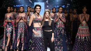 Kriti Sanon Dazzles at Arpita Mehta's Midnight Muse Show at Lakme Fashion Week 2017!