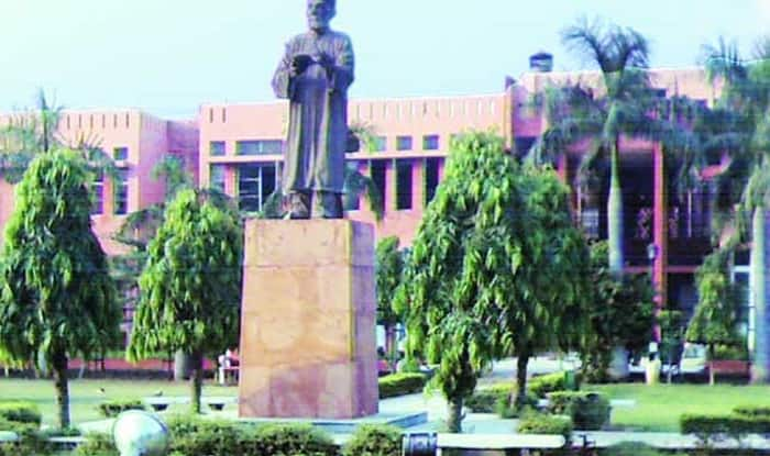 Govt decides to withdraw stand on Jamia Millia Islamia