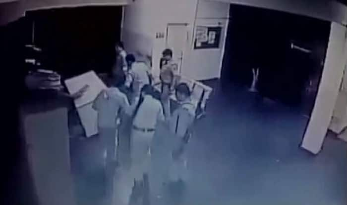 Mathura cops loot NH2 toll plaza staff of Rs 40,000