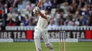 डे-नाइट टेस्टः एलेस्टेयर कुक ने ठोका दोहरा शतक, इंग्लैंड ने खड़ा किया विशाल स्कोर