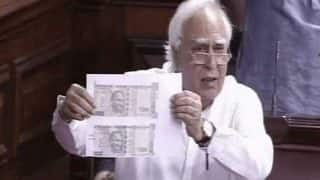 Congress Protests Over Different Types of Rs 500 Notes, Calls it 'Biggest Scam of Century'