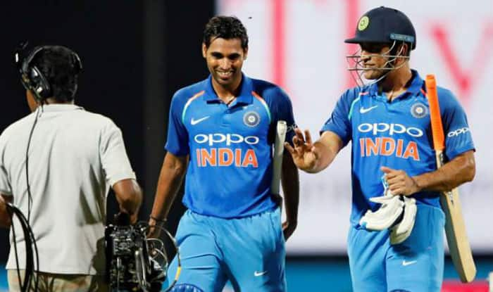 MS Dhoni And Virat Kohli Trolls Umesh Yadav Over His Football Skills