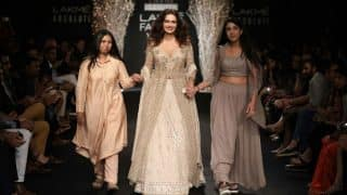 Grandeur and glamour came alive as Dia Mirza Walked the Ramp at Lakme Fashion Week 2017!