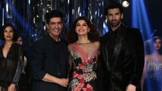 Manish Malhotra's Showstoppers Jacqueline Fernandez and Aditya Roy Kapur Left the Audience in Awe at the Lakme Fashion Week 2017 Closing Show!