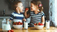 Parenting Tips: सर्दियों में रखें बच्चों का मेटाबॉलिज्म स्ट्रॉन्ग, इन फूड्स को करें डाइट में शामिल