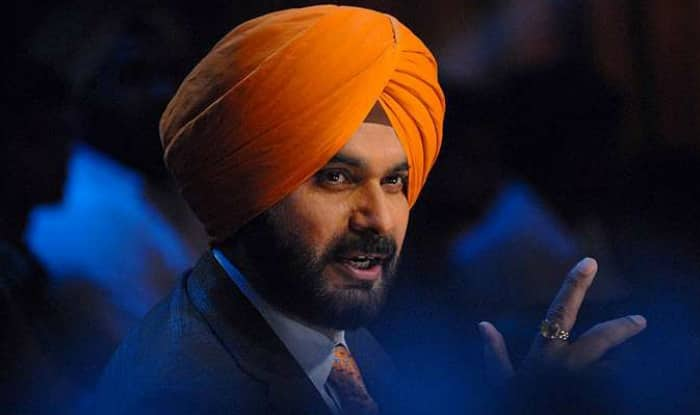 Congress Gives Stern Message to Navjot Singh Sidhu, Asks Him to Not Speak Against Captain Amarinder Singh