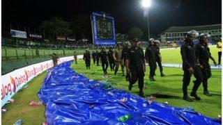 श्रीलंका के खिलाफ भारत की जीत में भीड़ ने डाली बाधा, मैदान में फेंकी बोतलें