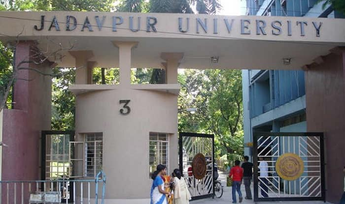 Jadavpur University students protest against chief minister's stand on student bodies