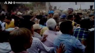 मध्यप्रदेश: 11 दिनों से अनशन पर बैठी मेधा पाटकर को पुलिस ने जबरन उठाया