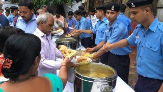 Indian Navy Helps Mumbaikars, Distributes Breakfast at Parel, CSMT Station