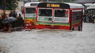 Mumbai on 'Red Alert' as IMD Forecasts Heavy Rains in City For Next 24 Hours; Air, Rail And Road Traffic Severely Hit