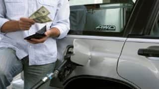 Petrol Price Touches New High of Rs 77.17 in Delhi and Rs 84. 99 Per Litre in Mumbai; Diesel Prices Also at All Time High