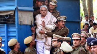 कोर्ट ने स्वयंभू संत रामपाल दो केसों में किया बरी, चलता रहेगा हत्या और देशद्रोह का केस