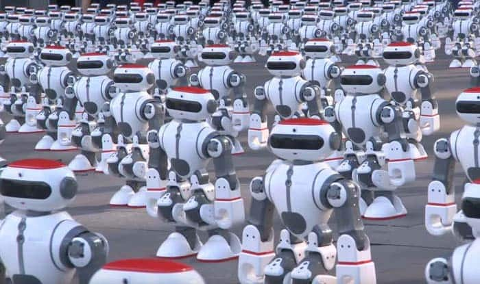 Video shows 1000 droids dance in unison in China