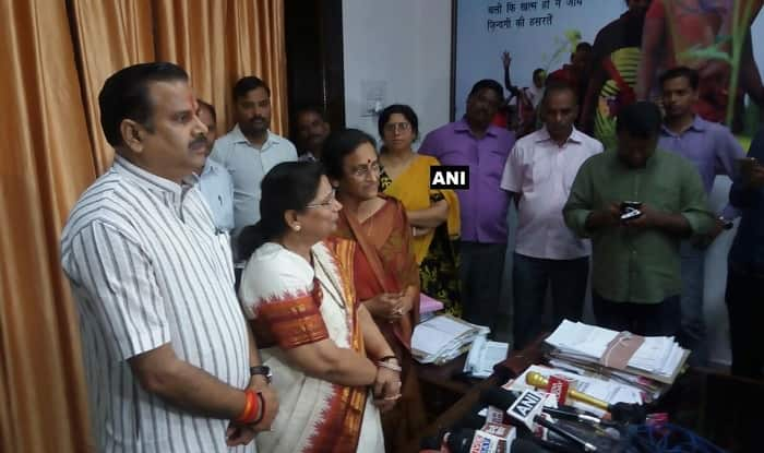 SP MLC Sarojini Agarwal Resigns From Party, Joins BJP