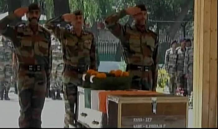 Chinar Corps Pay Homage to Sepoy Ilayaraja P, Sepoy Gawai Sumedh Waman Martyred in Shopian Encounter (Photo:ANI)