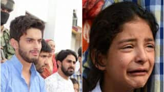 Family Members, 5-Year-Old Daughter of J&K Cop Breakdown At His Wreath Laying Ceremony