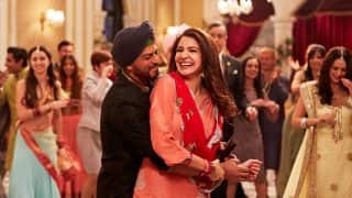 Jab Harry Met Sejal Public Review: Fans Just Cannot Stop Gushing About Shah Rukh Khan And Anushka Sharma's Crackling Chemistry