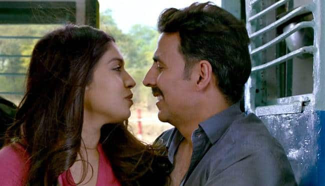 Salma Hayek wishes luck to Akshay for Toilet: Ek Prem Katha