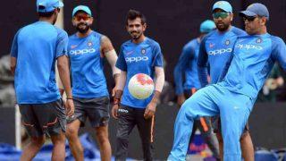 श्रीलंका के खिलाफ पहले वनडे से पहले फुटबॉल मैच में हुई कोहली और धोनी की टक्कर