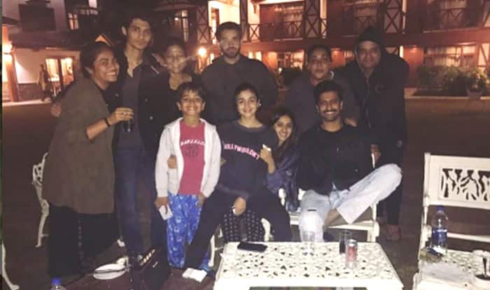 Alia Bhatt and Vicky Kaushal on the sets with Raazi team