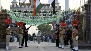 भारत-पाकिस्तान सीमा पर रिट्रीट समारोह के दौरान अनोखी शपथ