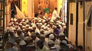 Eid al-Adha Namaz at Ganesh Murti Nagar: Picture of Muslims Praying Inside Mumbai Ganesh Pandal Will Make Every Indian Proud