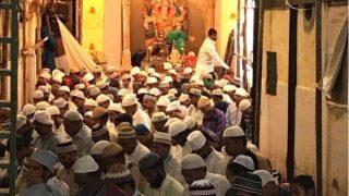 Eid al-Adha Namaz at Ganesh Murti Nagar: Picture of Muslims Praying Inside Mumbai Ganesh Pandal Will Make Every Indian Proud