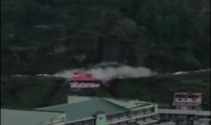 Landslide in Shimla sweeps away cars, luckily no one gets hurt