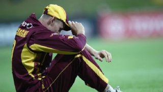 क्रिकेटर ने फील्डिंग के दौरान दिया धोखा, मिली ये सजा