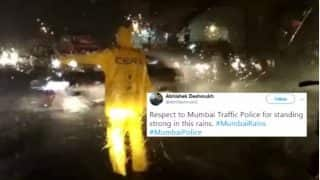 Mumbai Rains 2.0: Twitterati Applauds City Traffic Police For Standing Strong During Floods & Heavy Showers