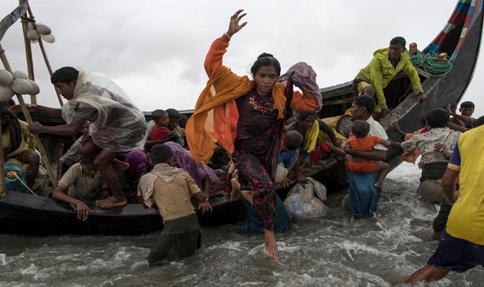 Rohingya refugees entering into Bangladesh via Dakshinpara sea route (Image: Getty)