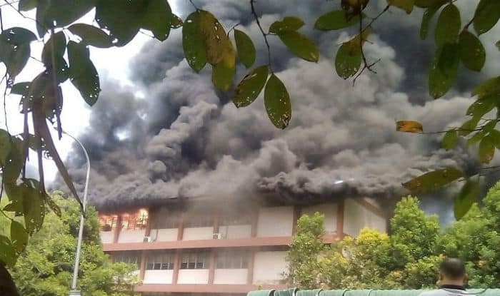Fire breaks out at a religious school in Kuala Lumpur (Twitter)