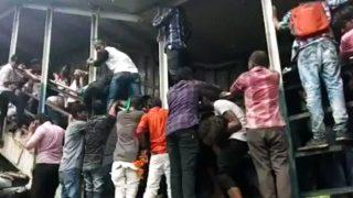 Mumbai Stampede Kills 22 Commuters, Employees of Mumbai Railways Not to Celebrate Dussehra in The Wake of Elphinstone Tragedy