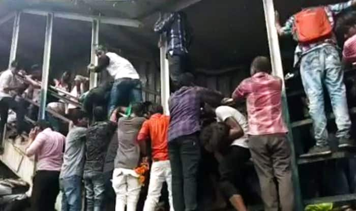 Elphinstone stampede - Mumbaikar files a petition against the railway officials""
