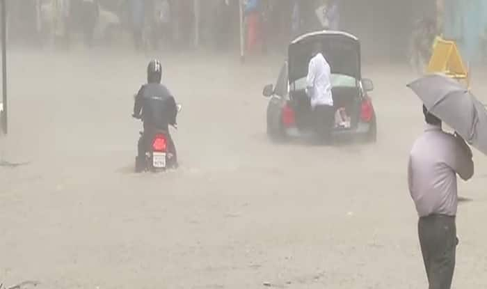 Rain forecast goes wrong, Mumbai breathes easy
