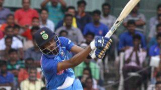 India vs Australia 2017: Hardik Pandya Batted With Mumbai Indians' Gloves in Chennai