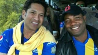 सचिन तेंदुलकर ने ब्रायन लारा को वेस्टइंडीज की जीत पर बधाई दी